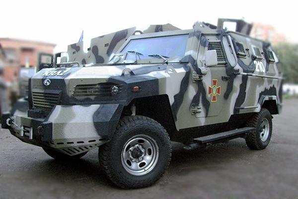 Особовий склад Національної гвардії України, який бере участь в #АТО, отримав нову бронетехніку