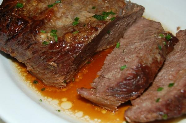 Мясо тушеное в духовке рецепт с фото