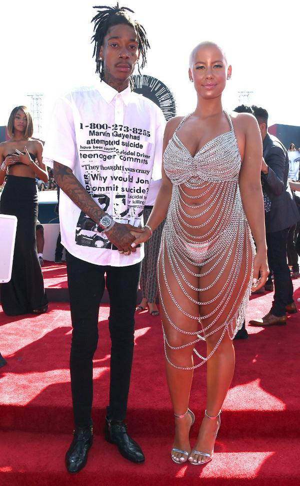 I love Wiz's shirt more than Amber's dress #VMA #SuicidePrevention http://t.co/9Ilp2zTaDF