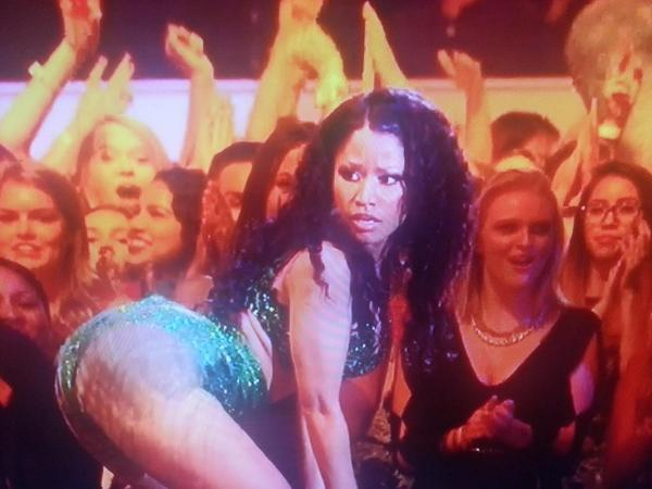 When you making a Twerk Video in your room and someone opens the door. http://t.co/g64u7Oapo3