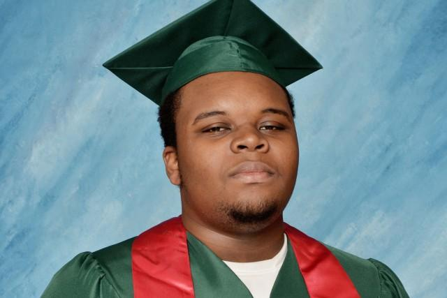 RT @sonsandbros: Today would have been #MikeBrown's first day of college. Our thoughts and prayers go out to his family. #Ferguson http://t…