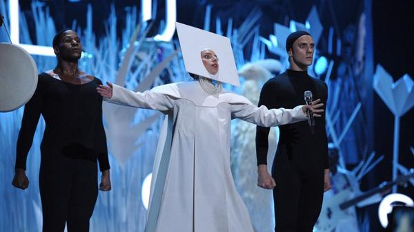 One year since this amazing VMA opening performance of Applause by Lady Gaga! http://t.co/QoSG78I92T