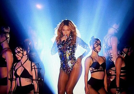 Oh yeah that was @CHROMAT_PARTY backing up #Beyonce last night - again. Someone give them a best supporting moonman! http://t.co/vN7GBQULAm