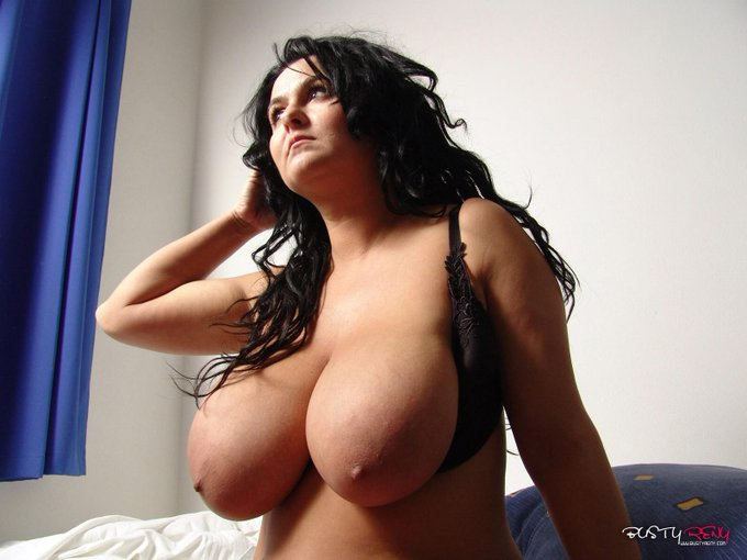lets see what I have for you inside http://t.co/NK5paPfvUB http://t.co/KKfbam6No9