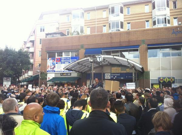 """Thousands of Norwegian Muslims"" are protesting right now against #ISIS in #Oslo via @wk_alk"