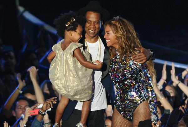 The big winner of the night, Beyoncé had an amazing live performance and many a Moonman to bring home to Jay-Z and Blue Ivy. (@TheGRAMMYs / Twitpic)