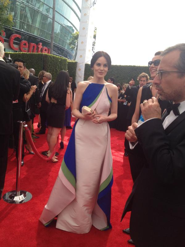 Hello #LadyMary... Looking lovely #MichelleDockery on the #Emmys #redcarpet http://t.co/0B8HZXTCfP