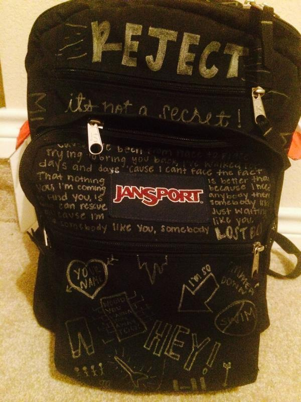 5SOS BACKPACK? on The Hunt