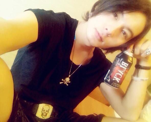 ゚з゚)ノおはモニ♪ 今日は福岡公演でございます! 起きて準備とトレーニング終わりーの ちとコーシーTIMEなぅ♪ さ、今日も牙ンバ狼絶☆ #fujitaray #dustz