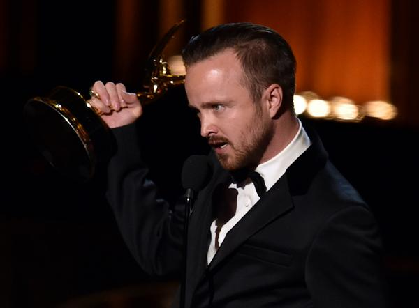 2014 Emmys: Aaron Paul wins best supporting, Jim Parsons, Julia Louis-Dreyfus comedy awards http://t.co/crmHb7eTLH http://t.co/F3cLokcLJB