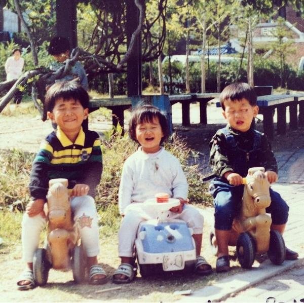 OMFG YOU GUYS JAIUANXHAKAUJXBZJA LITTLE KWON YURI IS SO CUTEㅠㅠㅠㅠ http://t.co/FdkfAXl70n