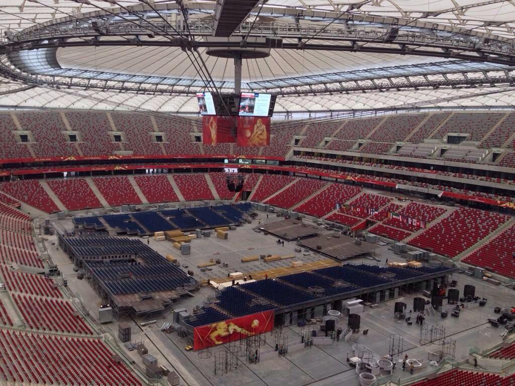 Jaume Febrer on Twitter: Preparant-se pel primer partit de @FIVBMensWCH Espectacular estadi olímpic de Varsòvia! http://t.co/e87hsqSWf8