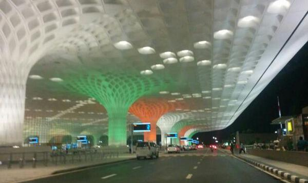 Wow! @MrsGandhi: Mumbai's Chhatrapati Shivaji International airport on the eve of Independence day!! :)) http://t.co/m2bZeEEijG""