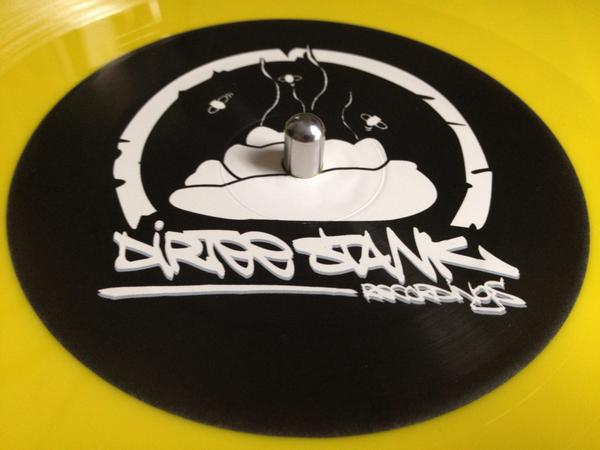 Whats this? New vinyl release from @DizzeeRascal! #grime #vinyl http://t.co/eUdu4yMsfB http://t.co/26FzBr10du
