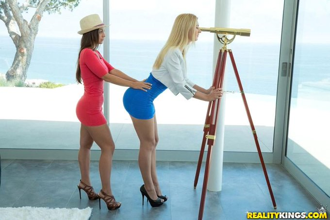 What a view! New scene with @Natalia_Starr on http://t.co/7kpzemft87 @RealityKings shot by @GregLansky