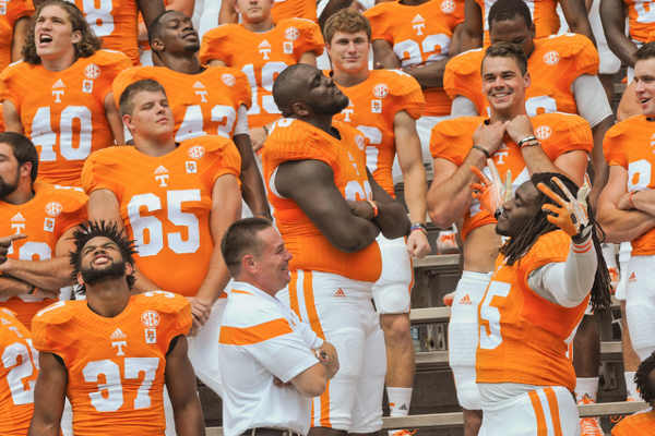 A great moment during the #Team118 photo. @UTCoachJones http://t.co/qMNShv5jcW