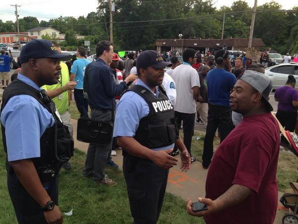 Type of police presence we should've seen all along > RT @PDPJ: #Ferguson STL city police standing in crowd, low key http://t.co/7ROMgxhXBS
