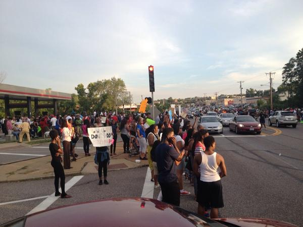 Protests continue with an almost festive atmosphere in Ferguson. http://t.co/vF9A3Mqab3