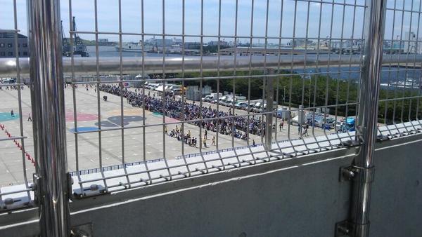 屋上展示場から見るアニプレとシャフト列。 http://t.co/YIc0WR78gv