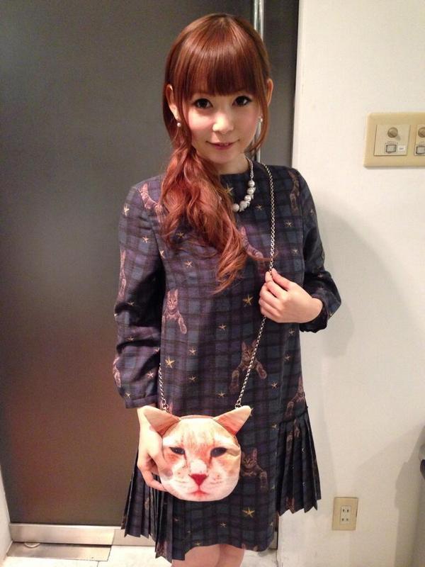 中川翔子さんのブランドmmtsの猫バッグがBENWINEWINのパクリだった