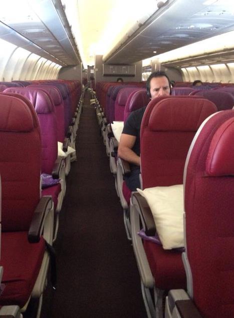 Avião da Malaysia Airlines praticamente vazio
