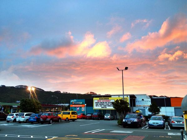 Check out the colour of the sky in #gigatownporirua tonight. http://t.co/iAOxaHWAGS