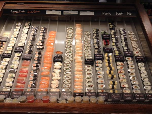 フランクフルト中央駅でお寿司をこんな風に売ってました。これもありだな。 pic.twitter.com/vkehhICWL4