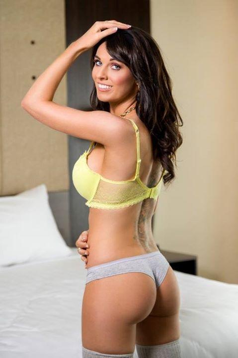 Curvy women pussy naked