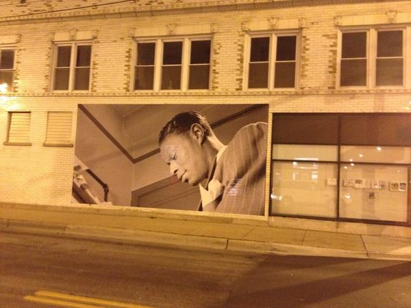One of CHICAGOS GREATEST NATALIES DADDY NATE KING COLE ON THE WALL 43rd DREXEL IN CHICAGO http://t.co/Fs1ozK1sfZ