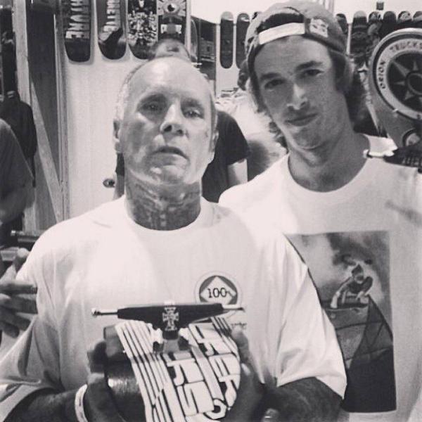 R.I.P Jay Adams. I only met him once and he was a badass dude! #truelegendsneverdie #skatelegend #ripjayadams http://t.co/Kx7GIMIJgk