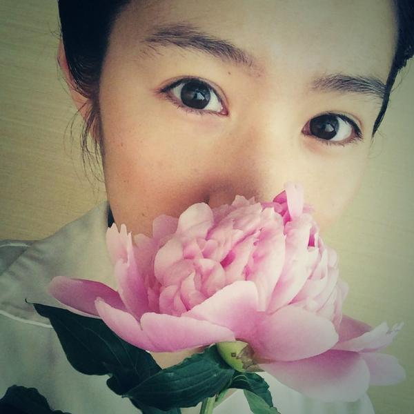 花のように綺麗な徳永えり。