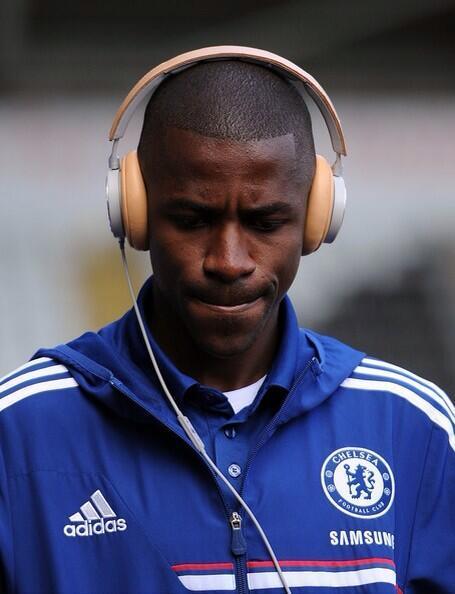 Kabar Chelsea On Twitter Ramires Lagi Mendengarkan Lagu Yelse