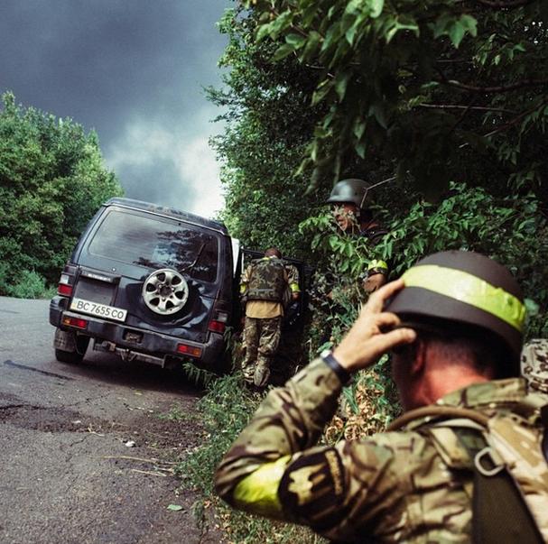 """Ситуация в Луганске. Версия местных жителей: """"Вот че боевики не уходят? Соберитесь, уйдите, мирное население погибает"""" - Цензор.НЕТ 9366"""
