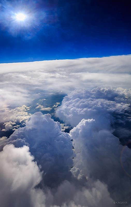 飛行機に乗る時、必ず窓側の席を希望する理由。 pic.twitter.com/mrusj568uX