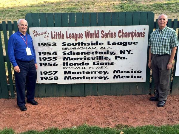 Regresamos al parque donde en 1957 quedamos campeones mundiales y Ángel Macías lanzó juego perfecto.  @LittleLeague http://t.co/pC9ba5VzLy