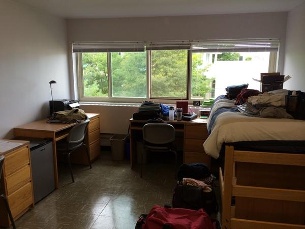 My Dorm Room Is Bigger Than Yours...pic.twitter.com/TXEBjyBmVu Part 26