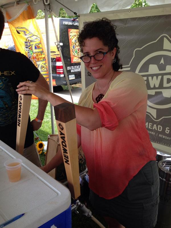 Tia and @NewDayCraft with Day Ride, a grapefruit session mead #DigIN2014 http://t.co/d5CehbHi2e