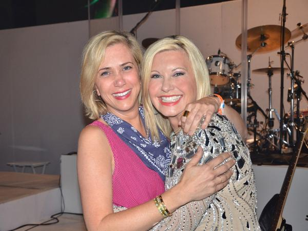 Olivia newton john on twitter kristin wiig i love you a brilliant olivia newton john on twitter kristin wiig i love you a brilliant comedienne actress so honored you came to my show sweet as u are talented m4hsunfo