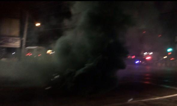 Chaos again in #Ferguson. Police firing smoke canisters into the crowd: @ABC http://t.co/Mt1bVlEKX9