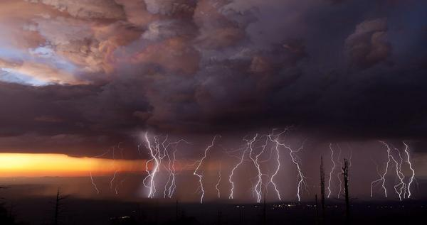 #Tucson has the best Thunderstorms! Last night: http://t.co/8BfDzav3dE #MCLifeRocks #MCLifeEatShopPlay @AZHSFessions