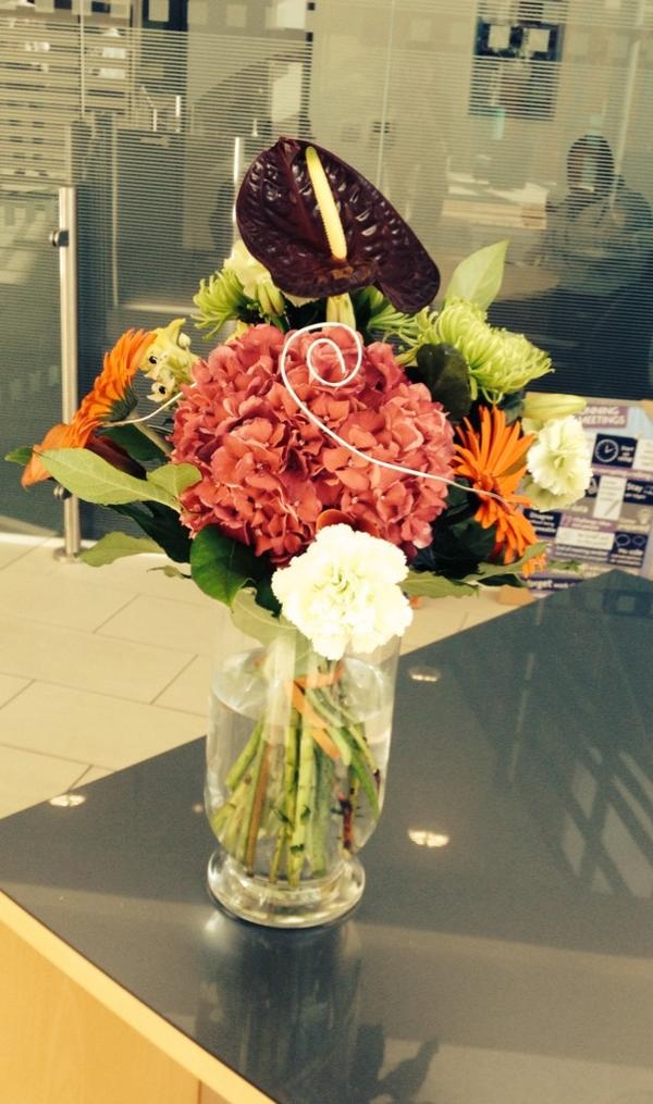 Flowers delivered to Lowell group Leeds. Xxx http://t.co/49ZE1dM8Vb