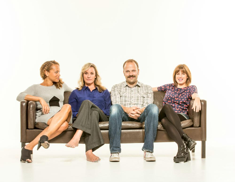 """RT @BreedersPlay: How great is this snap of @angela_griffin @mouthwaite @nicheburns & @captainpooper?  *hint* (Answer: """"super great"""") http:…"""