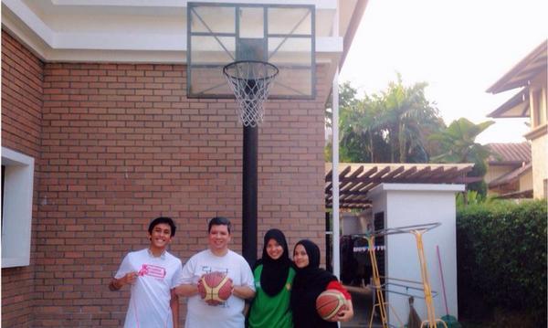 Brsemangat lps jumpa YB @KhairyKJ tadi #FitMalaysia http://t.co/Ycnag2xUt7
