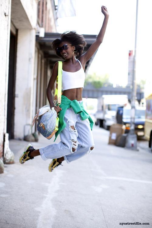 RT @DirectorioModa: Leomie AndersonRed ModelsWearing:Sunglasses: Lolos KlosetJacket:... #moda #fashion http://t.co/biGUXYcCwg http://t.co/z…