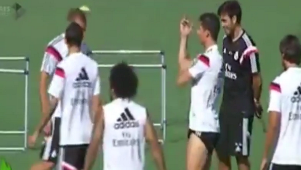 Cristiano Ronaldo jokes with Coentrão at Real Madrid training, flips him the bird [Video]