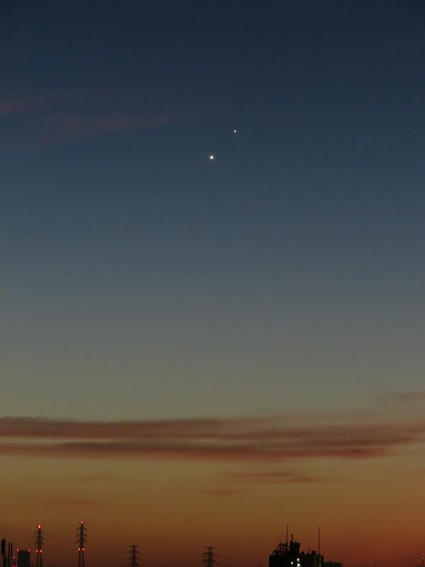 夜明けの空に金星と木星。 #mysky pic.twitter.com/9cAfJWdniD
