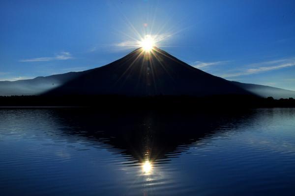 おはようございます。田貫湖からのダブルダイヤモンド富士です! pic.twitter.com/usrlCJ8uK7