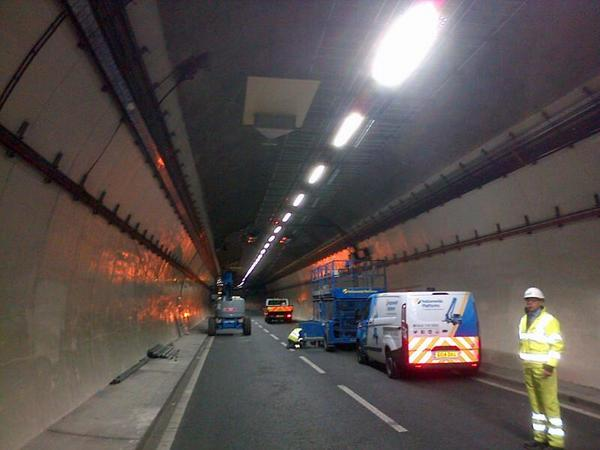 New pa system and cameras on tunnel roof to monitor traffic and alert drivers in emergencies #brumtunnels http://t.co/4k0LlI8GEf
