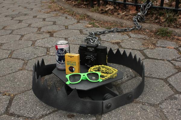 Des pièges à hipster dans les rues de New York http://t.co/k2VInH4dFs #NYC #Fashion #UrbanTraps http://t.co/FrcDqftQxJ