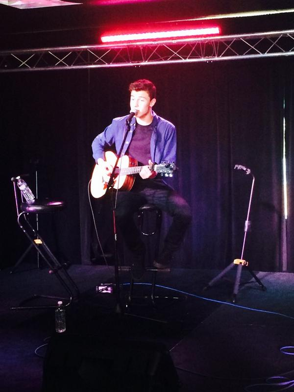 It's @ShawnMendes live now in the @961KISS music theater! http://t.co/BcPQKZCmN5